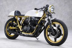A beautiful 1978 Honda CB750 Cafe Racer built by Analog Motorcycles      For far more pics make the jump