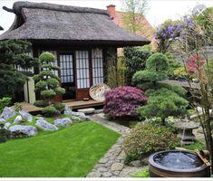 Japanese Garden Backyard, Japanese Garden Landscape, Small Japanese Garden, Japan Garden, Japanese Garden Design, Backyard Patio, Japanese Gardens, Garden Landscape Design, Garden Features