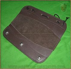 Arm Guard with hook loops - brown