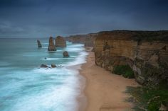 One of my travel highlights in 2015 was to travel again along our beautiful #greatoceanroad  So it was with so much sadness that I have watched the news unfold since Christmas Day of the tragic bushfires along this iconic stretch of road and National Parkland.  Currently 116 homes have been lost thankfully no human lives but who knows the loss of our treasured wildlife.  My  goes out to all those affected by the fires and thanks to the #CFA   #greatotwaynationalpark #gor #visitmelbourne by…
