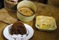 World War 2 - food facts - History cookbook - Cookit! Uk Recipes, Cooking Recipes, War Recipe, Wartime Recipes, Food Rations, Depression Era Recipes, Heritage Recipe, Vintage Cooking, Socialism