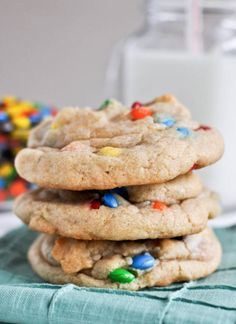 these chewy cookies are my all-time favorite... and they make a great base for other cookies too! | howsweeteats.com