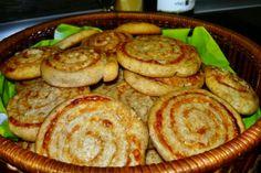 Nekysnuté syrové špirálky (fotorecept) - obrázok 5 Pancakes, Breakfast, Food, Green Papaya Salad, Basket, Morning Coffee, Essen, Pancake, Meals