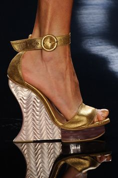 chunky gold wedges