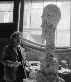 "Giacometti working on the sculpture ""La Grande Tête"" / Paris, 1959 / Foundation Ernst Scheidegger Archive"