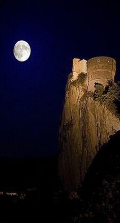 Moon - San Leo, Rimini, Emilia Romagna, Italy