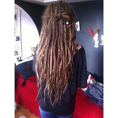 Dreadstuff | Everything a dreadhead need! Great dreadlock products and dreadlock accessories and dreadlock tutorials, everything that you need to know about dreadlocks