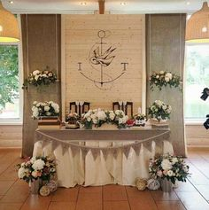 I love the idea of this background, just needs a creative pick-me-up. Head Table Wedding Decorations, Head Table Decor, Head Tables, Deco Table, Wedding Table, Rustic Wedding, Wedding Designs, Wedding Styles, Wedding Ideas