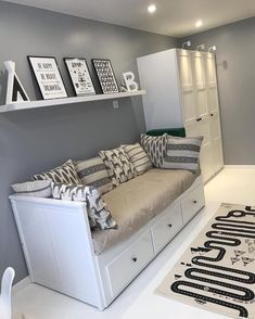 White and Silver Bedroom Decor Ideas - Home Decor Bliss White and Silver Bedroom Decor Ideas - Home Decor Bliss White And Silver Bedroom, Silver Bedroom Decor, White Bedroom, Silver Room, Room Ideas Bedroom, Small Room Bedroom, Bedroom Designs, Cozy Bedroom, Small Rooms