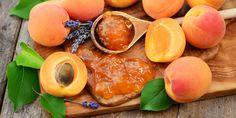 Aprikosen schenken Energie: Schon zwei bis drei Trockenfrüchte am Tag decken Ihren Bedarf an Vitamin B6. Der auch Pyridoxin genannte Vitalstoff ist wichtig für einen gesunden Stoffwechsel und reguliert vor allem die Eiweiß-Verwertung. Eiweiß gilt als entscheidender Energiespender, zudem werden daraus neue Nervenzellen gebildet.