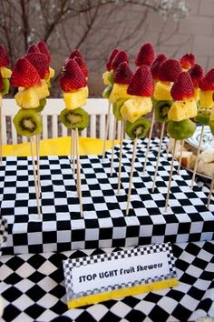 Stop Light Skewers: Red, yellow, and green ... Great for snack time!