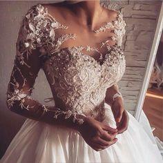 Wonderful Perfect Wedding Dress For The Bride Ideas. Ineffable Perfect Wedding Dress For The Bride Ideas. Dresses Elegant, Elegant Wedding Dress, Dream Wedding Dresses, Pretty Dresses, Bridal Dresses, Beautiful Dresses, Expensive Wedding Dress, Dresses Dresses, Sweater Dresses