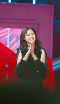 Kpop Girl Groups, Kpop Girls, Chara, Girl Crushes, Ariel, My Girl, Rapper, Concert, My Love