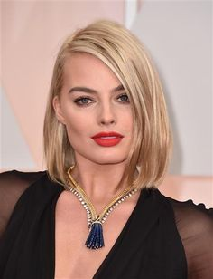 Margot Robbie hit the Oscar red carpet with her short, shoulder-length blonde lob in February.