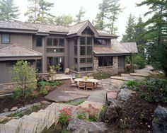 Picture of Summit Star house number 70283 from Lindal Cedar Homes: worldwide manufacturer of post and beam homes, solid cedar homes, custom log homes, sunrooms and room additions.