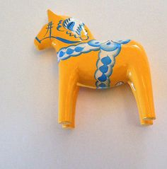 New-Yellow-5-Perfect-Size-Swedish-Dala-Horse-Hand-Carved-Painted-w-Free-Bookmark