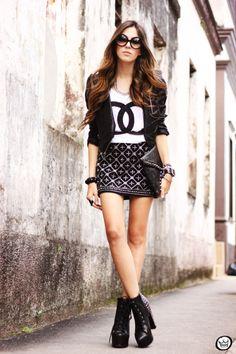 FashionCoolture - Choies beaded lita SheINside jacket t-shirt spikes chanel 2014 Fashion Trends, Fashion 2017, Runway Fashion, Womens Fashion, Fashion Ideas, 2014 Trends, Work Fashion, Fashion Styles, Teen Fashion
