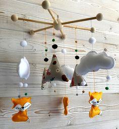 mobile renards et tipis, nuages et flocons, suspension de berceau, décoration chambre bébé : Jeux, peluches, doudous par blueberrycie