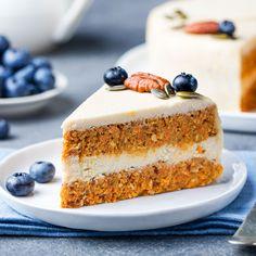 Vegan carrot cake - without baking - vegan cake recipe Pumpkin Dessert, Paleo Dessert, Healthy Dessert Recipes, Raw Food Recipes, Vegan Sweets, Healthy Sweets, Vegan Carrot Cakes, Raw Cake, Sweets Cake