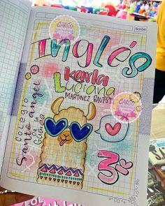 📚Trae tus cuadernos y deja todo en nuestras manos👋 👏🏻🎀 𝙘𝙤𝙣𝙩𝙖𝙘𝙩𝙖𝙣𝙤𝙨🎀… Notebook Art, Notebook Covers, 3rd Grade Art Lesson, Card Drawing, Lettering Tutorial, School Notes, Doodle Drawings, Art School, Art Lessons