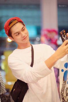 Thai Drama, Dramas, Babe, Sunshine, Singer, Bright, Guys, Couples, Random