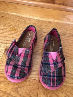 293ea46ef3b Toms toddler pink girls shoe size Used condition.
