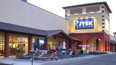 JYSK til Italien. Dänisches Bettenlager åbner 2. april 2009 den første butik i Italien i Serravalle Scrivia mellem Torino og Genoa.