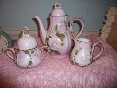 Cottage Chic Roses 5 Piece Tea Set, Tea Pot, Creamer, & Sugar Bowl