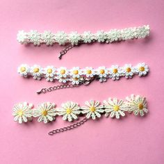 Hey, I found this really awesome Etsy listing at https://www.etsy.com/listing/124159619/vtg-90s-daisy-chokers