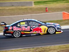 Craig Lowndes - 2014 - Sydney Motorsport Park 400 Touring, Racing Team, Auto Racing, V8 Supercars, Race Cars, Super Cars, Australia, Red Bull, Vehicles
