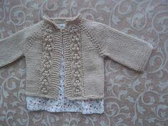 Ravelry: Preparer son arrivee pattern by Kasia Lubinska Baby Knitting Patterns, Love Knitting, Knitting For Kids, Baby Patterns, Hand Knitting, Sweater Patterns, Cardigan Pattern, Cable Knitting, Knit Or Crochet