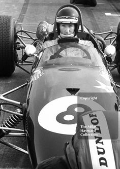 Jochen Rindt, Brabham on the grid at the Thruxton Easter Monday International, Sport Cars, Race Cars, Motor Sport, Jochen Rindt, Lotus F1, Checkered Flag, Indy Cars, Car And Driver, Formula One
