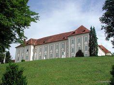 Talansicht von Schloss Piber in Köflach, Österreich