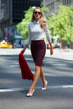 Ann Taylor Black And Red Striped Chic Pencil Skirt by The Classy Cubicle Corporate Wear, Office Fashion, Work Fashion, Style Fashion, Mode Pop, Chic Outfits, Fashion Outfits, Skirt Outfits, Look Rose