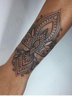 Tattoo arm bracelet sleeve Ideas for 2019 tattoo old school tattoo arm tattoo tattoo tattoos tattoo antebrazo arm sleeve tattoo Girly Tattoos, Trendy Tattoos, Flower Tattoos, Body Art Tattoos, New Tattoos, Tattoos For Guys, Side Tattoos, Henna Style Tattoos, Henna Inspired Tattoos