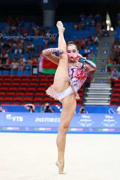 FIG Rhythmic Gymnastics World Championships Gymnastics World, Gymnastics Photography, Gymnastics Pictures, Artistic Gymnastics, Dance Photography, Gymnastics Flexibility, Rhythmic Gymnastics, Female Gymnast, Athletic Girls