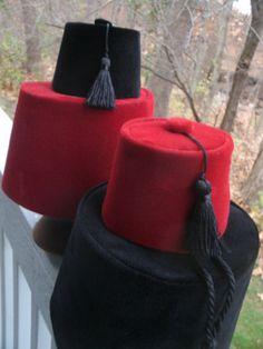 How to make mini-Fez hats (aka Aladdin & Abu hats)