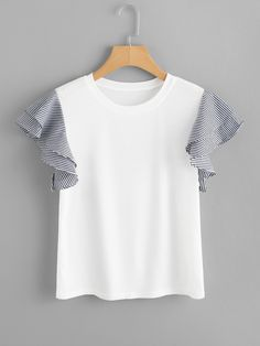 Striped Ruffle Sleeve T-Shirt Pretty Outfits, Cute Outfits, Sewing Blouses, Looks Plus Size, Outfit Trends, Apron Dress, Plus Size Blouses, Mode Inspiration, Ruffle Sleeve