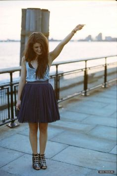 shenae grimes just makes me smile <3 and i want her wardrobe.
