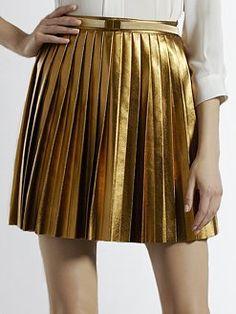 gold pleats : Minimal + Classic