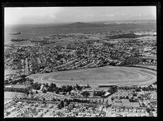 Aerial photograph taken by Whites Aviation. Quantity: 1 b&w original negative(s). Auckland, Historical Photos, New Zealand, Paris Skyline, Travel, Historical Pictures, Viajes, Destinations, Traveling