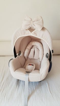 Maxi Cosi Cabrio set - pebble - Want to give your Maxi Cosi Cabrio a new twist? Wazzhappening makes this with a lot of love & passi - Little Babies, Cute Babies, Everything Baby, Baby Needs, Our Baby, Baby Baby, Baby Gender, Baby Girl Newborn, Baby Time