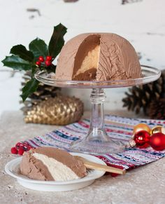 baileys christmas pudding chocolate baileys chocolate bomb chocolate ice cream dessert chocolate - Best Christmas Desserts Ever