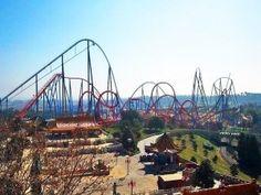 Le plus grand huit d'Europe à Port aventura en Espagne.