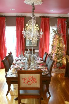 Dining Room | Holida