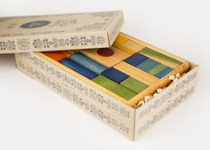 Wooden Story bei Echtkind - Geschenkverpackung überflüssig :) - http://www.echtkind.de/bau-und-konstruktionsspiel/regenbogenbaukloetze-63-teile.html