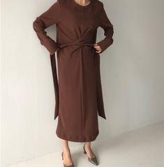 Fashion Pure Colour Across Bandage Slit Casual Dresses – Kleidung Abaya Fashion, Muslim Fashion, Modest Fashion, Fashion Dresses, Simple Dresses, Casual Dresses, Fashion Vestidos, Mode Hijab, Minimal Fashion
