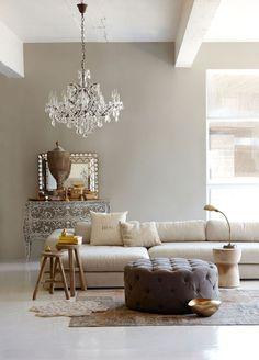 Оттоманка в интерьере – красота и практичность мягкой мебели