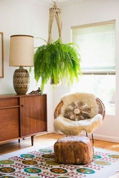Here are some of the most beautiful images I gathered on my board this week. If anything, they show that mid-century modern or Scandinavian decor doesn't have to mean minimalist at all. … Continue reading →