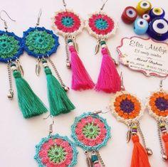 Es tarde pero sigo siendo un empleado çalışan para trabajadores laborales como yo Crochet Jewelry Patterns, Crochet Earrings Pattern, Crochet Bracelet, Crochet Accessories, Crochet Designs, Jewelry Accessories, Handmade Jewelry Designs, Handmade Beads, Fabric Jewelry